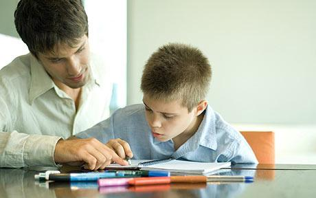 Çocuğumun ödevlerine yardımcı olmalı mıyım?