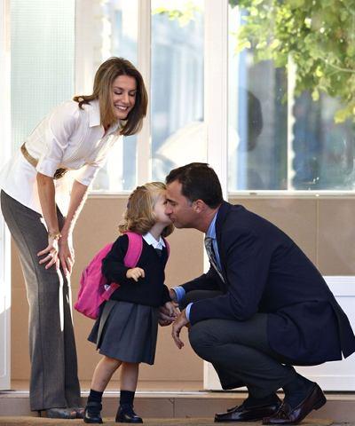 Çocuğunuzu okula giderken uğurlayın.