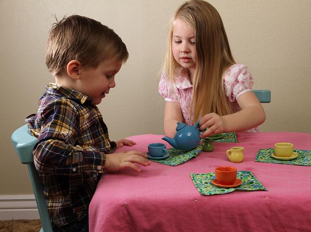Çocuklar neden evcilik oynar?