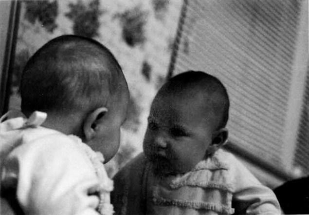 Bebekler kendine aynada bakar mı?