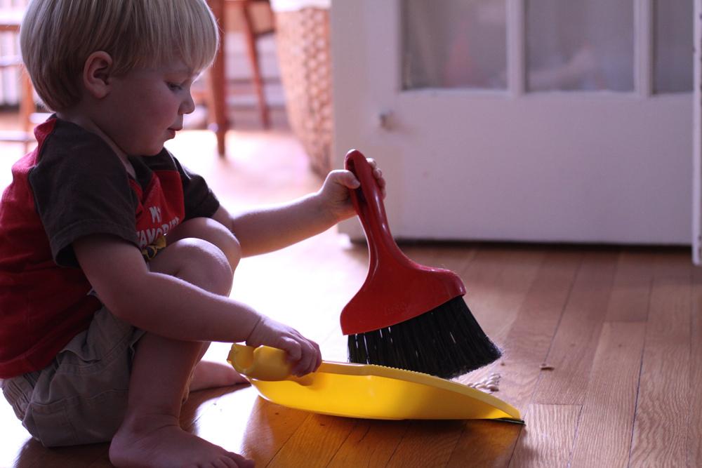 Çocuklarla ev işi yapmak