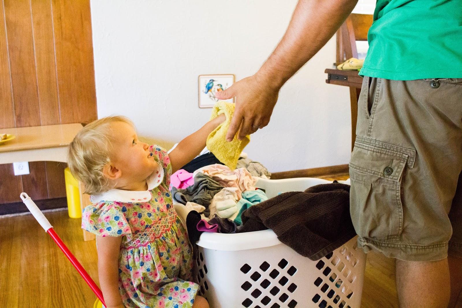 Çocuklarla Çamaşır Yapmak