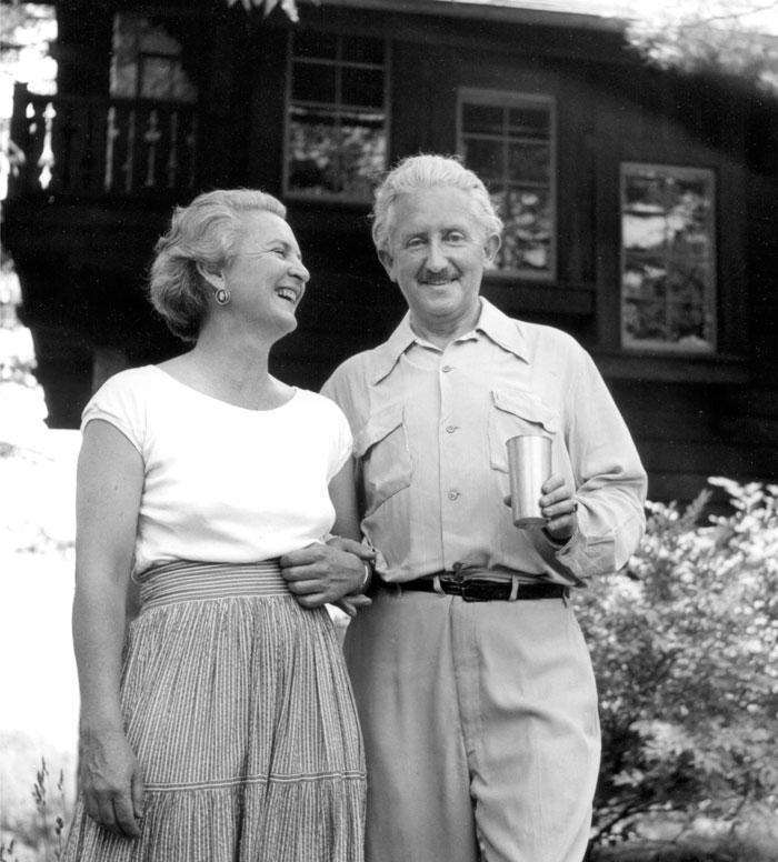 Erik Erikson ve eşi Joan Sernon
