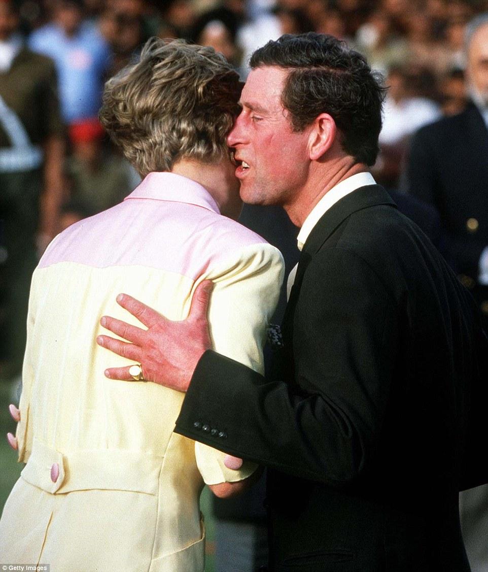 İlişkilerde Vücut Dili - Önüne Dönen Bir Diana