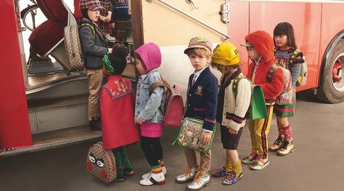 Lüks markalarla giydirilen çocuklar
